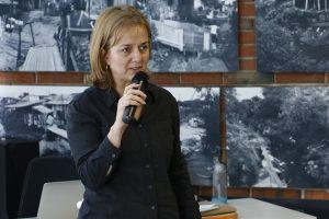 A assessora jurídica do CAU/PR, Claudia Cristina Taborda Dudeque, lembrou que até 2012 mais de 120 mil ART's foram emitidas por arquitetos e urbanistas no sistema CONFEA/CREA para Projeto e Execução de Instalações Elétricas.