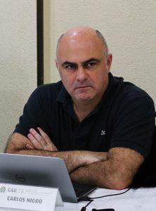 O Conselheiro Carlos Nigro durante Reunião Plenária do CAU/PR.