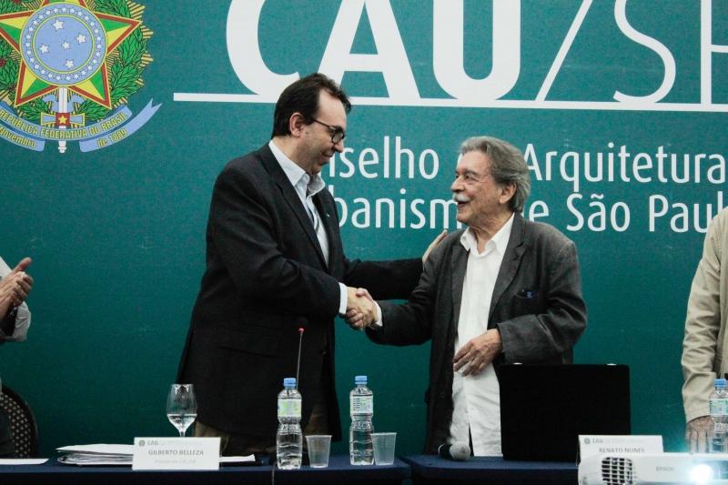 Paulo Mendes da Rocha recebe homenagem do CAU/SP