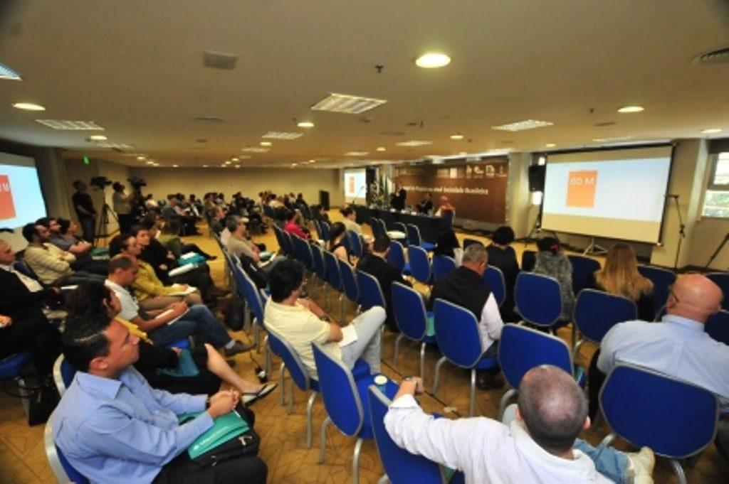 Visão do público presente no seminário, que discutiu importância do projeto completo