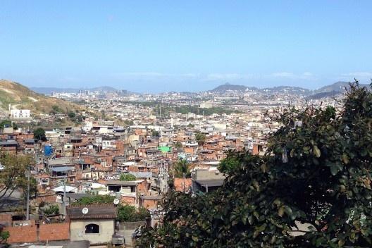 Detalhe Favela do Alemão, no Rio de Janeiro (2013). Foto de Fabiana Izaga.