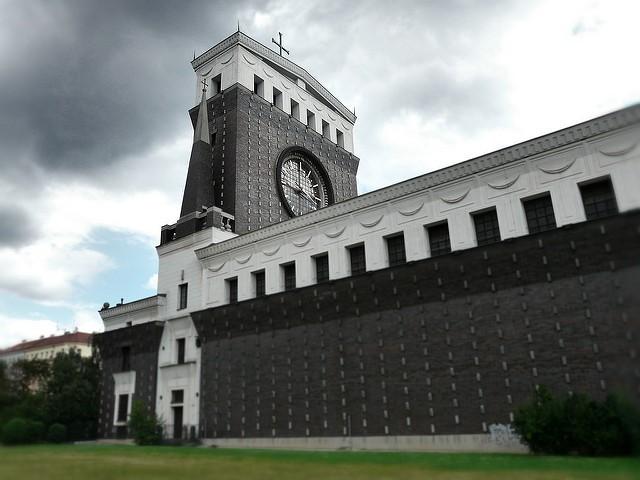 Igreja do Santíssimo Coração do Nosso Senhor, em Praga, projetada por Plečnik (Foto: Jynto/Flickr)