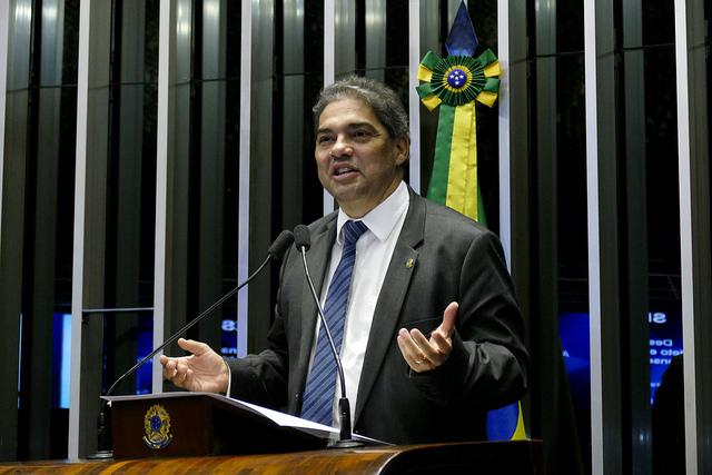 Senador Hélio José (Pros-DF)