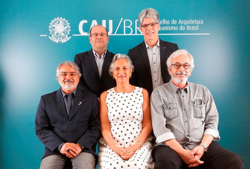 Comissão de Planejamento e Finanças (2018): Eduardo Pasquinelli, Wilson Andrade, Osvaldo Abrão (coordenador), Nadia Somekh e Raul Gradim (coordenador-adjunto) (Foto: San Rogê - CAU/BR)