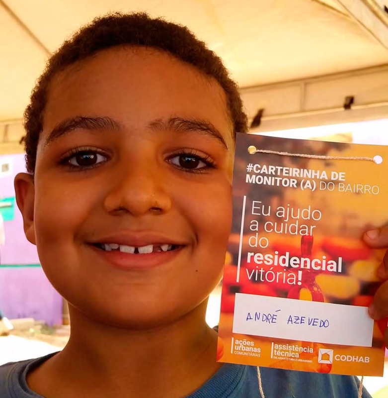 """O estudante André Azevedo se tornou um dos """"monitores do bairro"""": escritórios de assistência técnica promovem também ações para reforçar vínculo da comunidade com o local"""