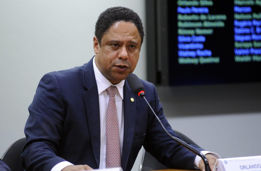 Projeto de autoria do deputado Orlando Silva (PCdoB/SP) está parado na Câmara